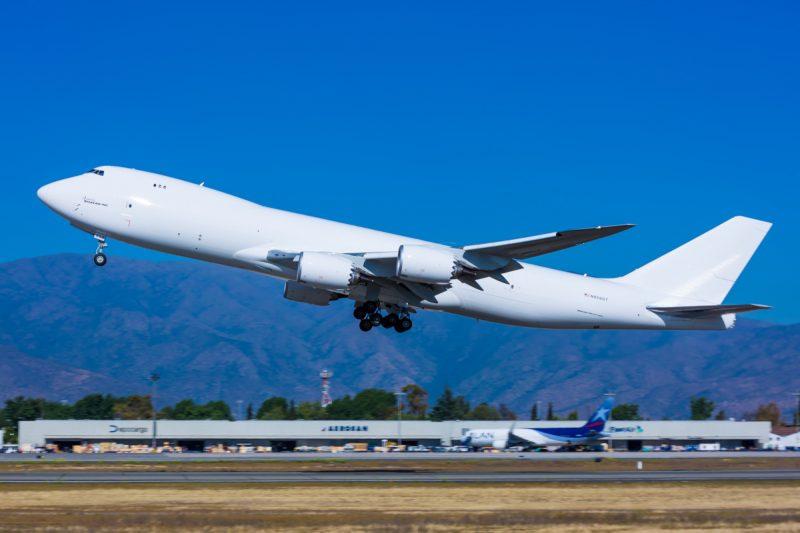 Imagen de un avión despegando del aeropuerto de Santiago de Chile
