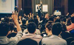 imagen de muchas personas en un congreso
