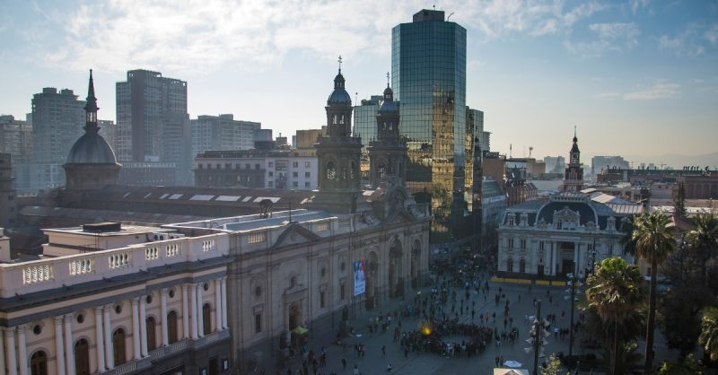 Imagen aerea de la plaza de armas de Santiago